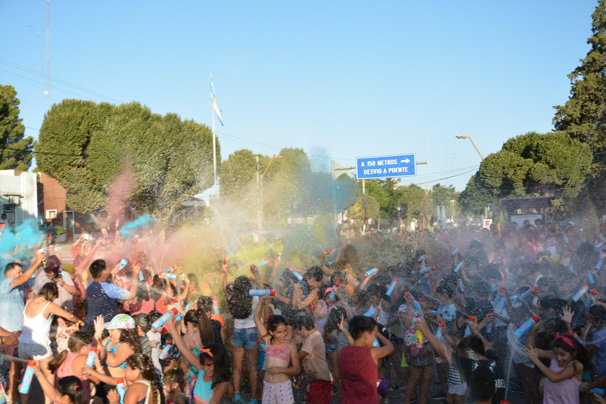 Más de 800 niños disfrutaron del Carnaval en La Adela