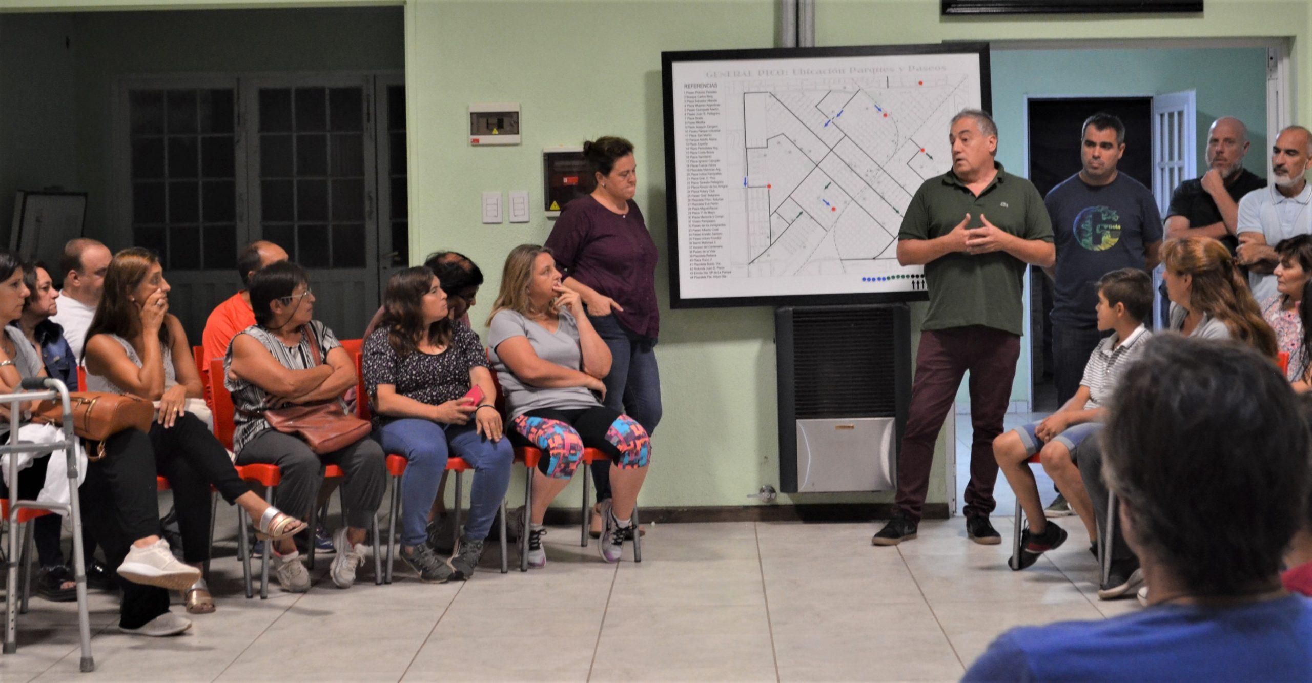 Presentaron el 'Proyecto Lorda', de readecuación de Desagües Pluviales de la Zona Urbana Oeste a vecinos de calle 300