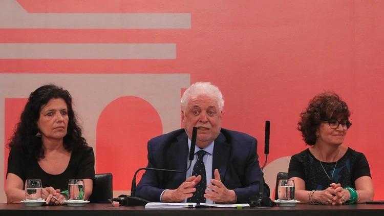 """Ginés González García aseguró que """"la ley es inminente, va a ser legal la interrupción del embarazo"""""""