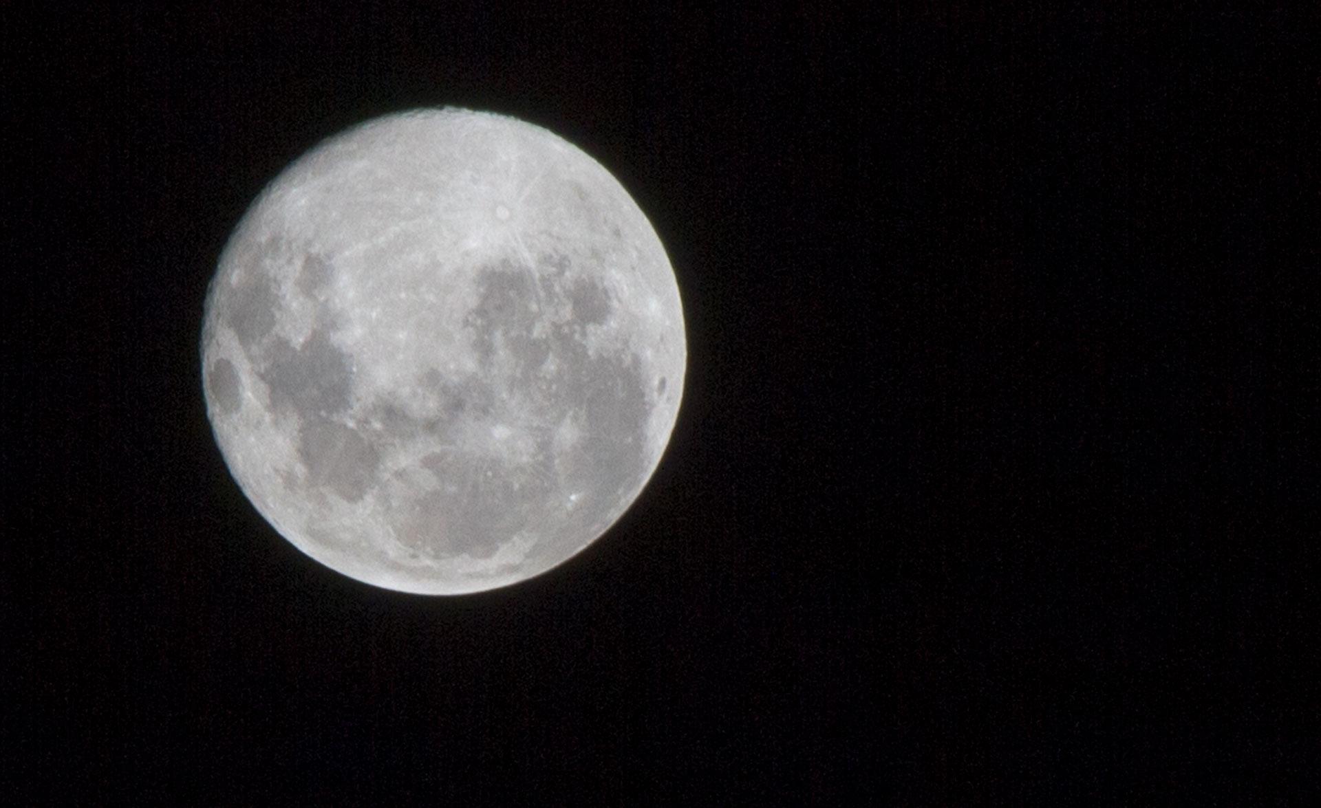 [FOTO] Así se vio la «superluna de nieve» desde General Pico