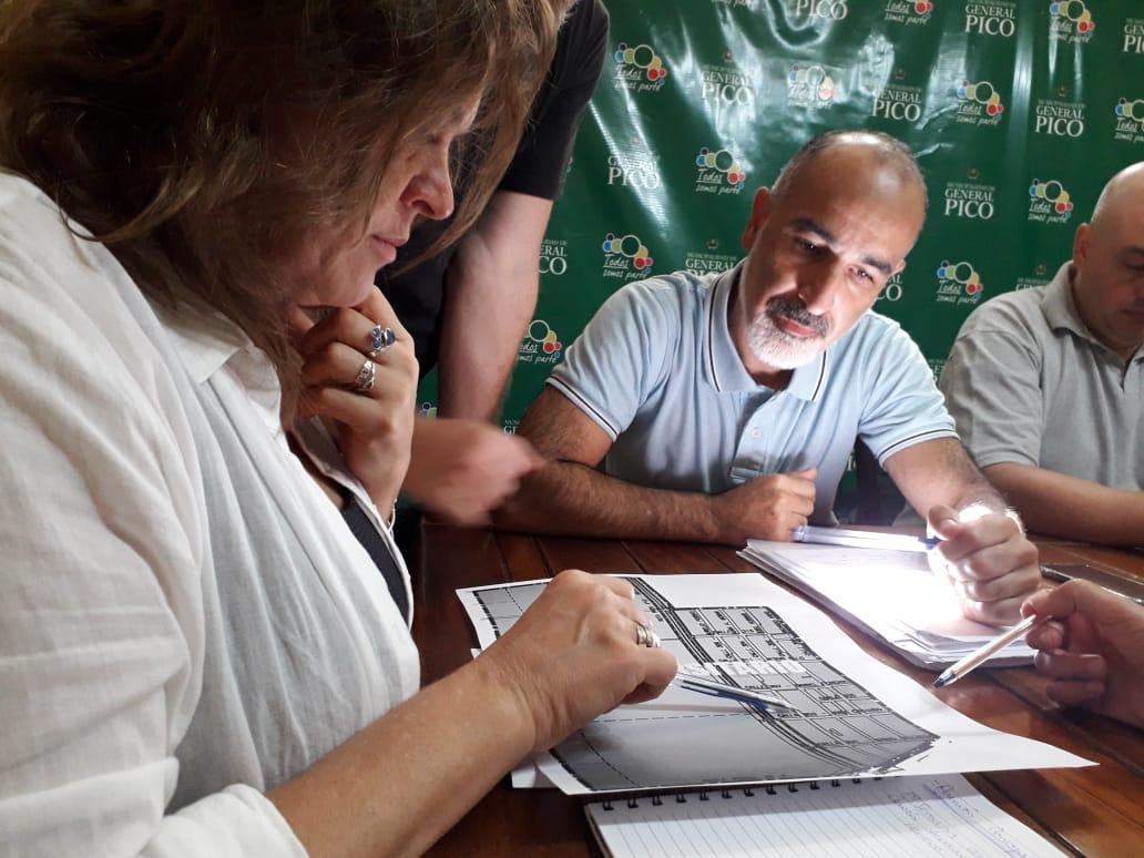 """""""Es clave el diálogo para poder llegar a acuerdos"""", dijo López sobre la reunión con el ejecutivo local"""