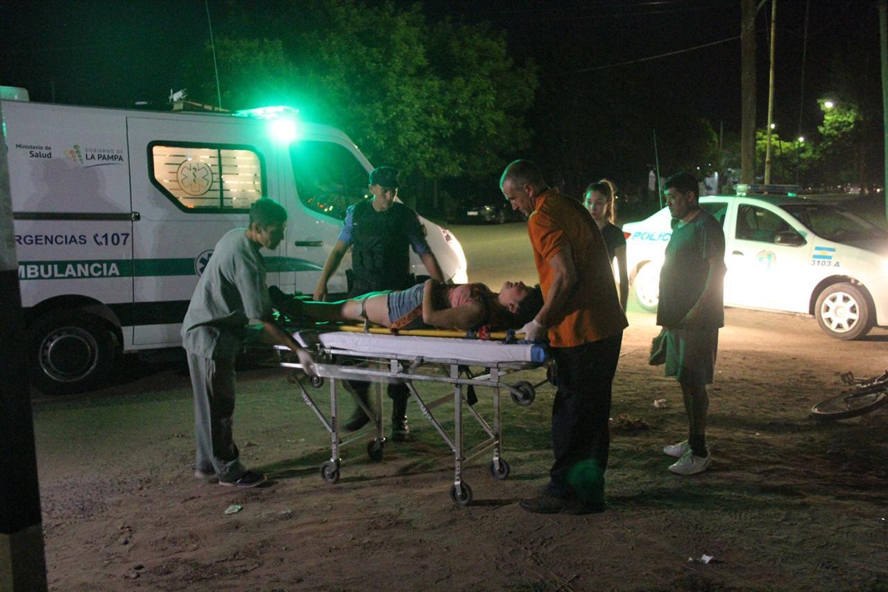 Choque entre auto y moto en calle 29 y 34: Dos mujeres fueron hospitalizadas