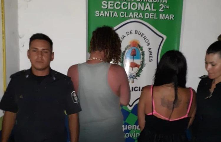 Indignación en Santa Clara: una pareja dejó a su hija de 2 años enterrada en la orilla para tener sexo en el mar
