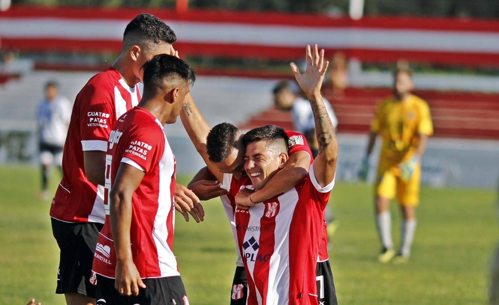 Costa Brava le ganó a Rácing de Castex en el debut del Regional Federal