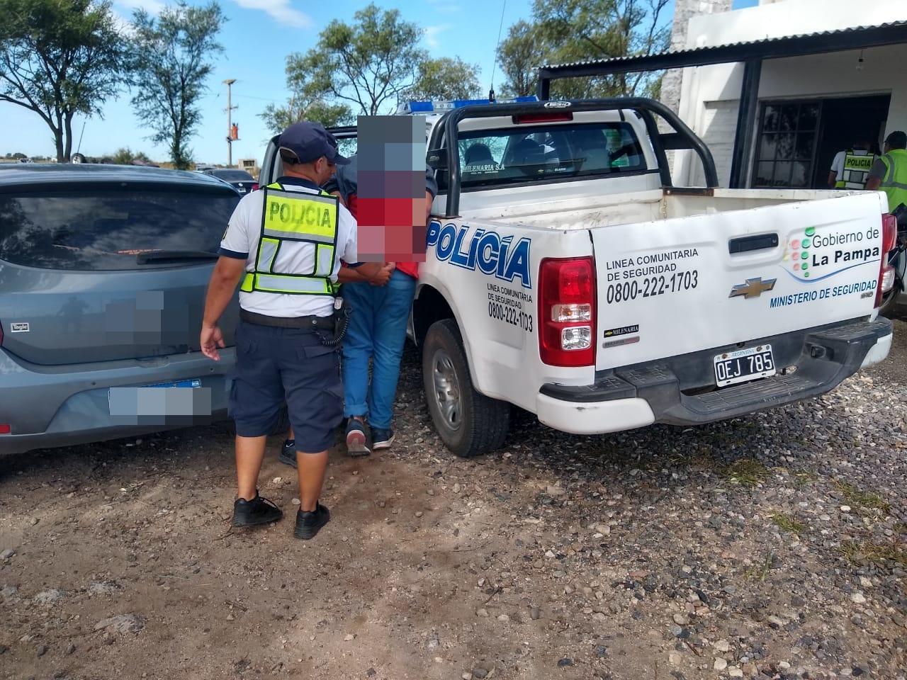 Detienen a cuatro personas oriundas de Córdoba que habrían amenazado de muerte a una familia de la localidad de Parera