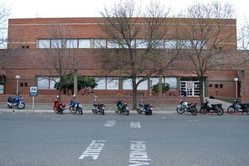 Ingreso en Facultad de Ciencias Humanas : continúa la inscripción en Santa Rosa y General Pico