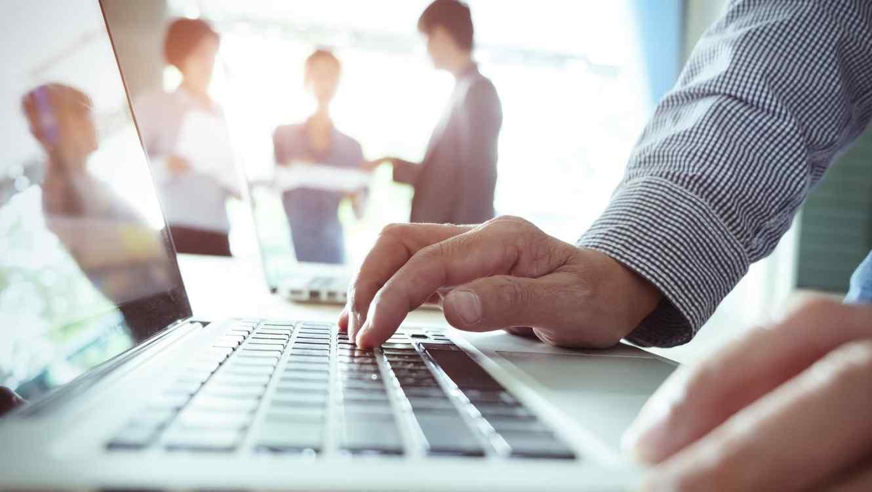 Educación virtual en La Pampa: «en muchos lugares tienen conectividad, pero le faltan herramientas tecnológicas», afirmó Pablo Maccione