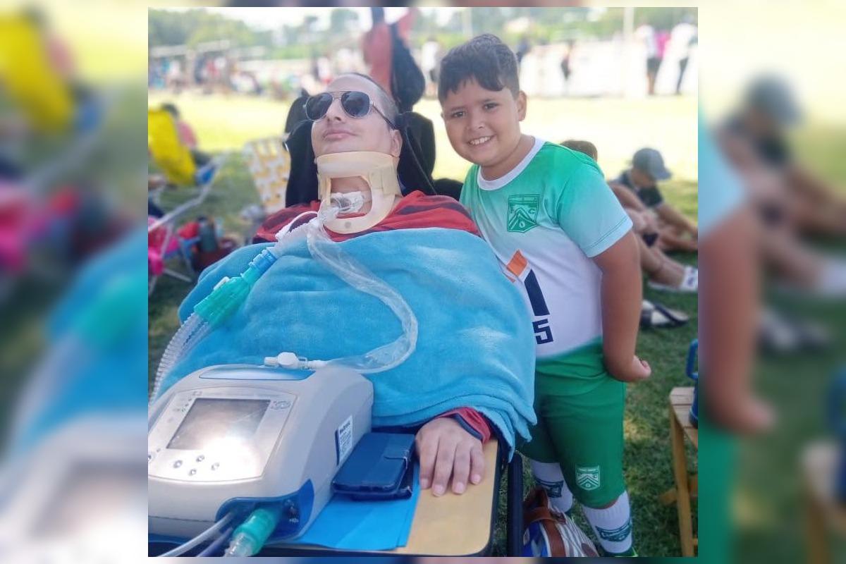 EMOTIVO: estuvo casi 6 años en terapia intensiva y hoy pudo disfrutar de ver a su hijo jugando al fútbol
