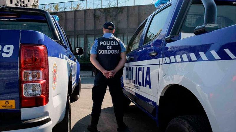 Los policías cordobeses no podrán usar sus celulares mientras estén en servicio