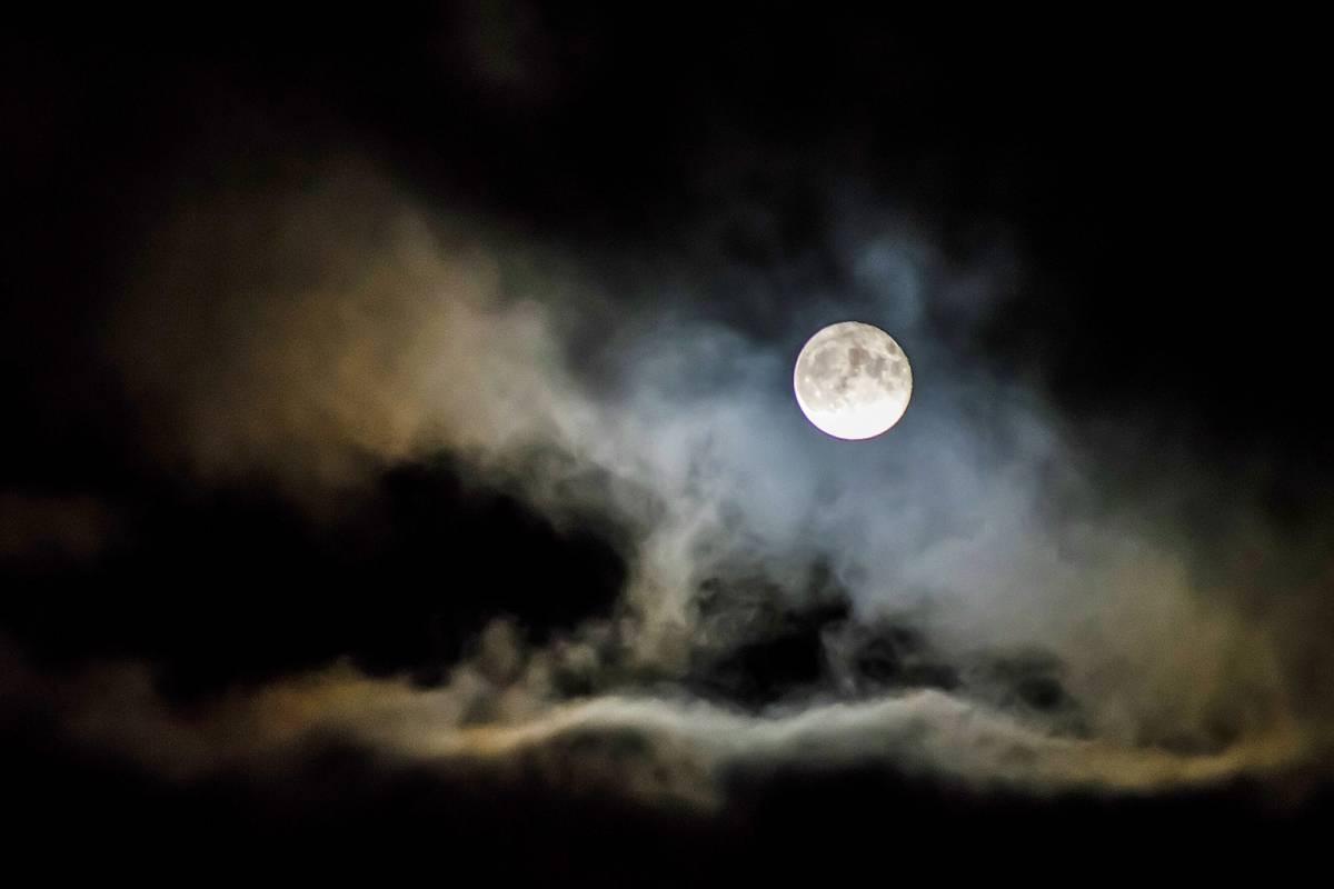 Este domingo se verá la superluna de nieve: Será la más blanca y brillante del año