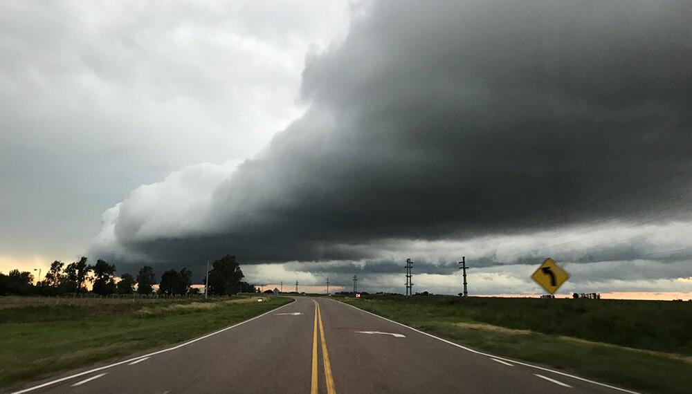 Aviso a corto plazo por tormentas fuertes con ráfagas y ocasional caída de granizo para el sur de La Pampa