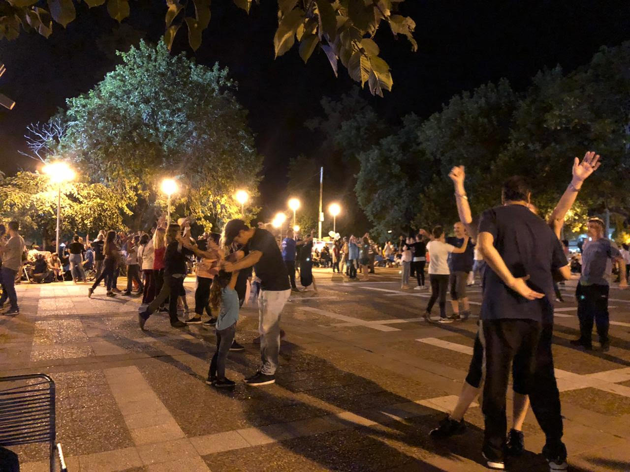 Este miércoles Folkloreando en Plaza San Martín