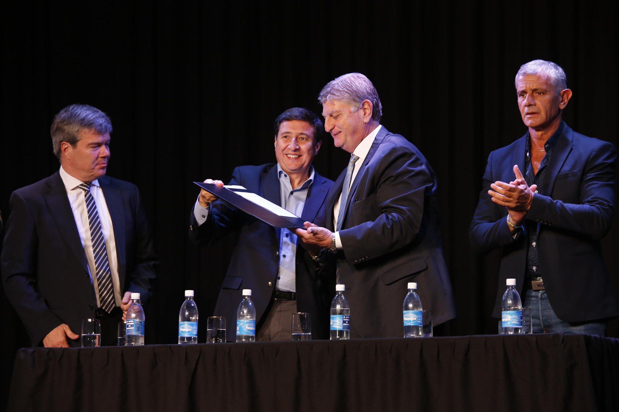 """Plan Nacional Argentina contra el Hambre: """"estamos yendo a una generación de chicos petisos y obesos, por malnutrición"""", afirmó el ministro Arroyo"""