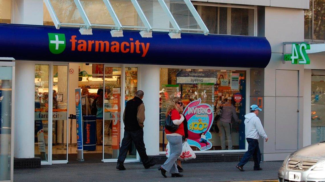 Inspección de la AFIP detectó 9 mil frascos de alcohol en gel stockeados en el depósito de una cadena de farmacias
