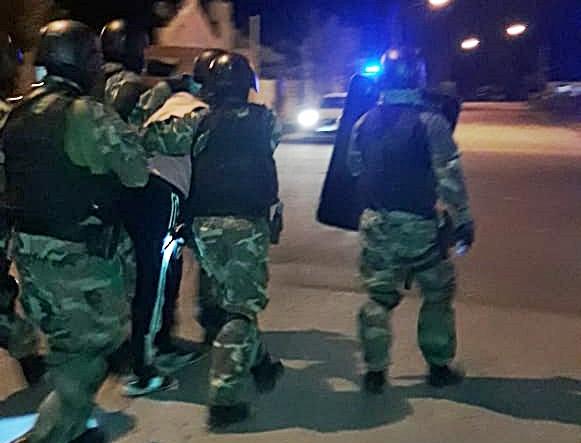 Se escapó de un operativo,  hubo una persecución y con orden de allanamiento lo detuvieron en Barrio Federal