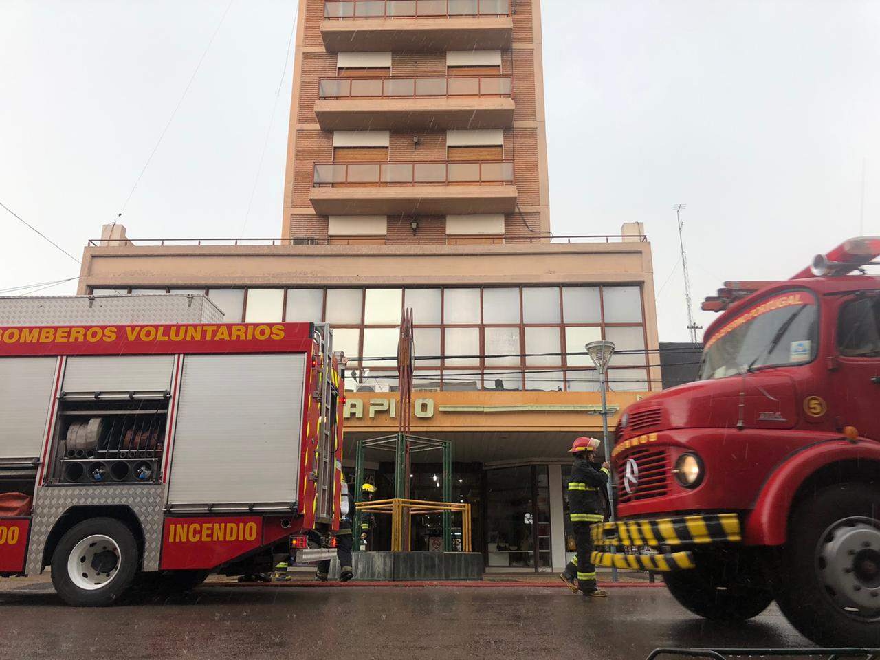 Principio de incendio en edificio céntrico de General Pico