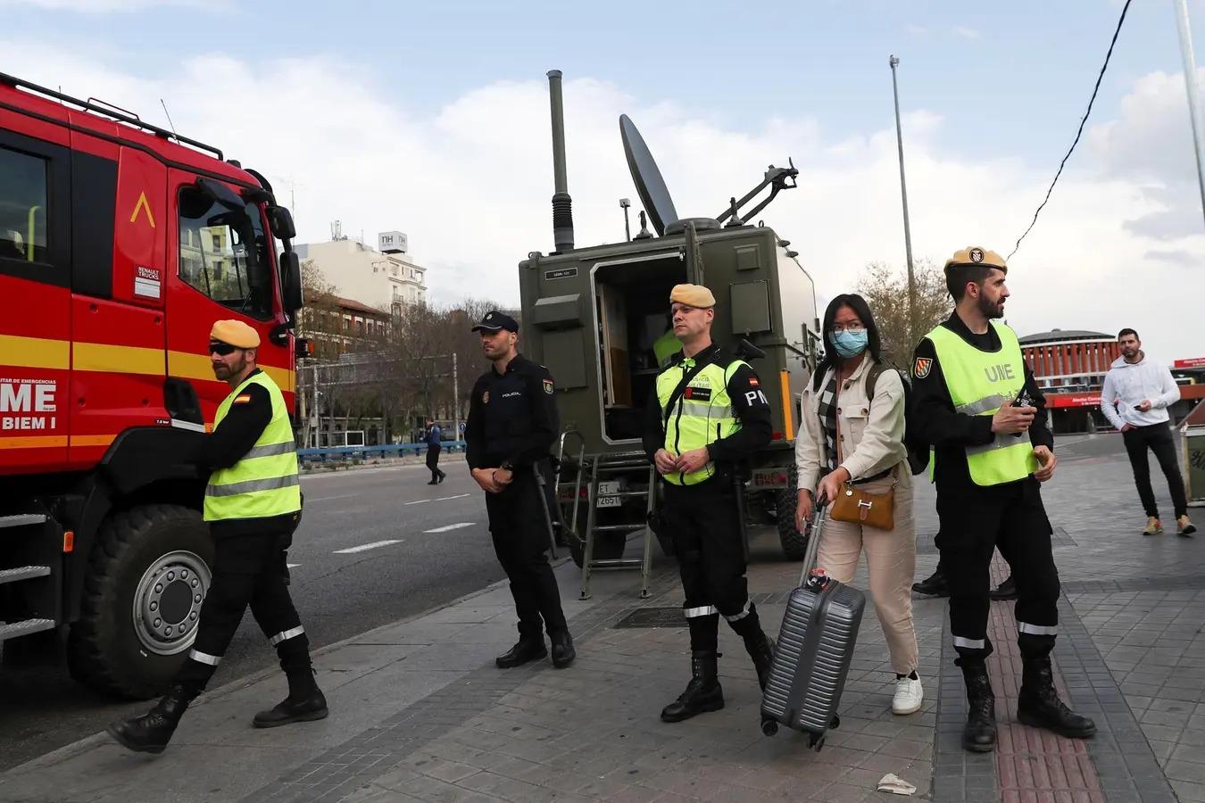 España militariza las calles y aumentan los muertos por el coronavirus