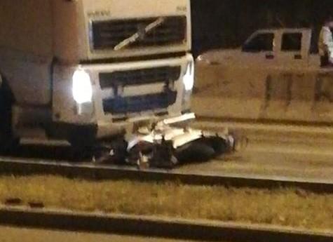 Una mujer murió en Santa Rosa al ser arrollada por un camión