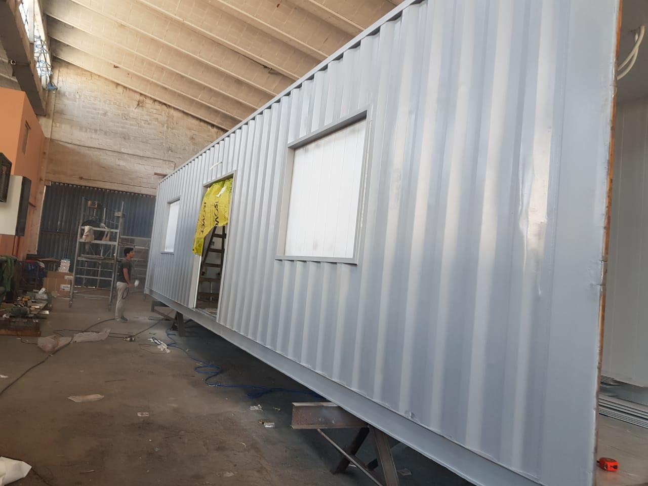 14 contenedores armados como salas de unidades de Terapia Intensiva y Terapia Intermedia funcionarán en el Hospital Gobernador Centeno