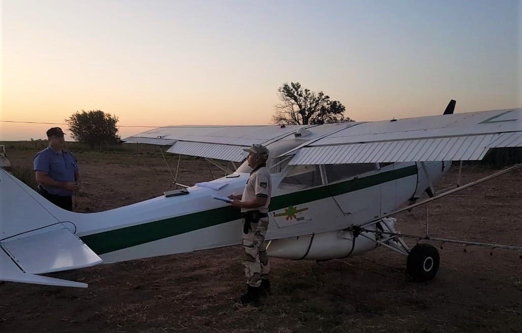 Detectan un avión fumigador que intentaba trabajar en La Pampa sin autorización