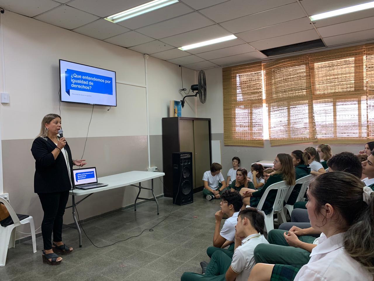 Perspectiva de género: charlas en los colegios para concienciar a los alumnos