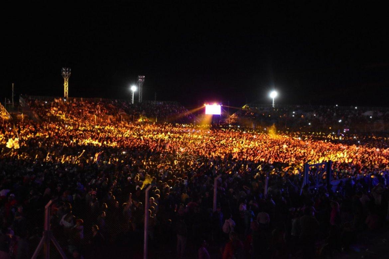 Multitudinaria asistencia de público durante el Festival del Caldén en Nueva Galia