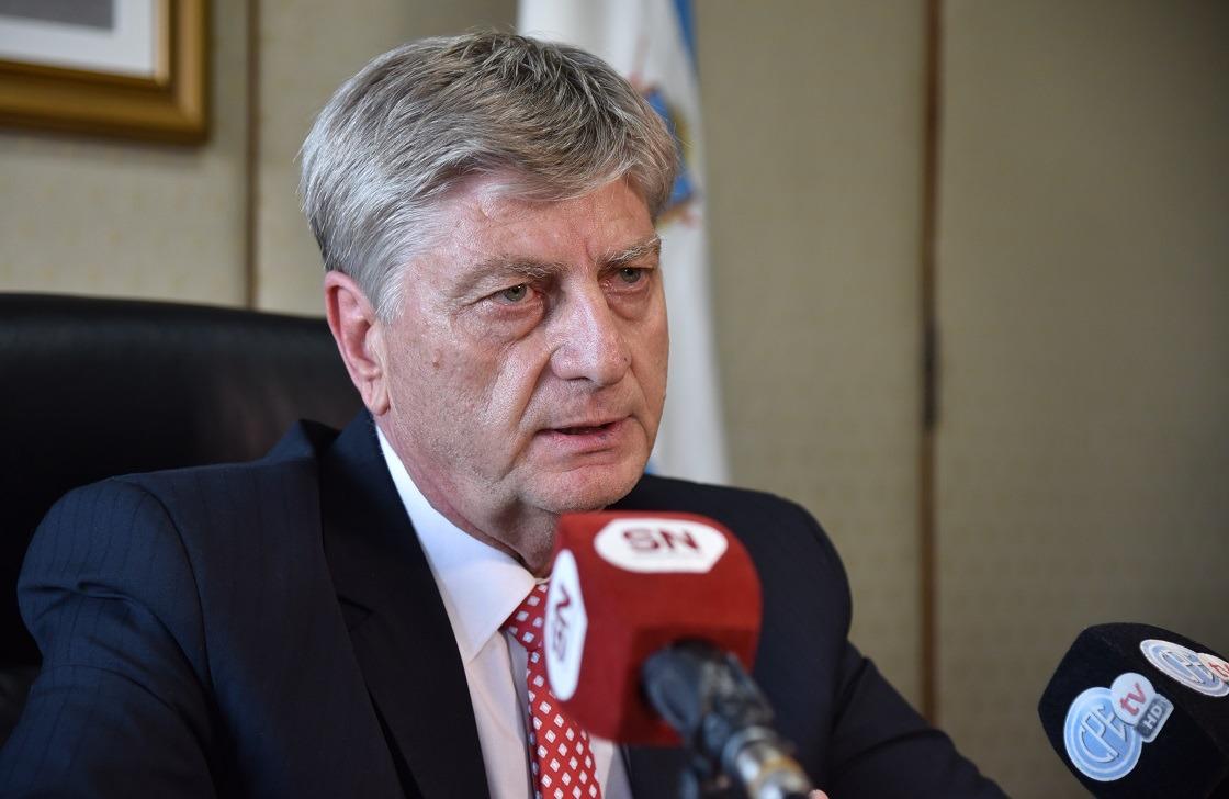"""""""Como mínimo tiene que haber un mes de cuarentena"""", dijo el gobernador pampeano Sergio Ziliotto"""