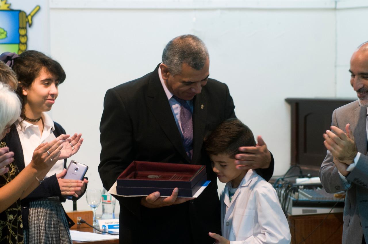 El Concejo Deliberante reconoció al policía Javier Barrionuevo por salvarle la vida a una mujer