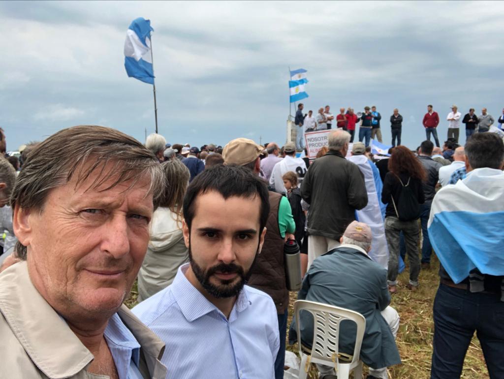 """""""El campo es el motor de toda la Argentina y es importante que se gobierne acompañando, no atacando con medidas extremas que los desfavorezcan"""" expresó Maquieyra"""