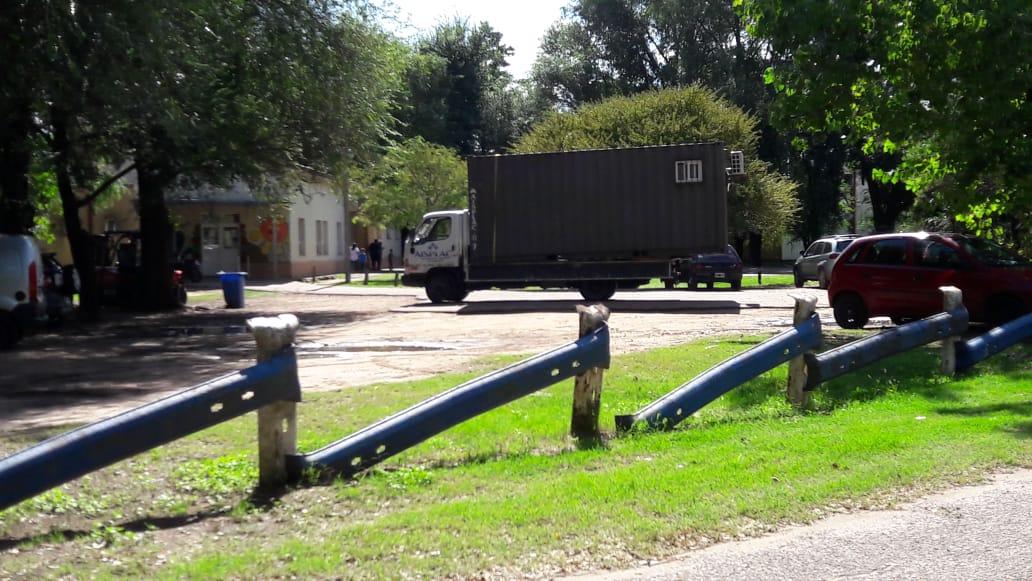 """Consultorios en """"containers"""", los nuevos espacios que se instalan en el Hospital Gobernador Centeno para atención de pacientes en medio de la pandemia"""