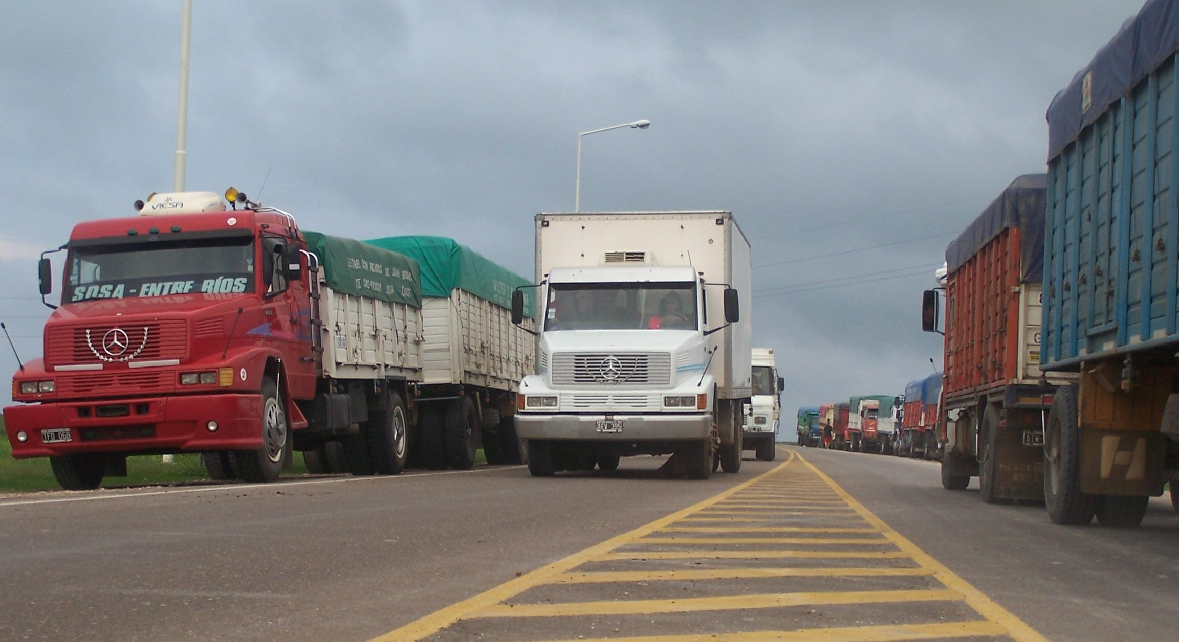 Diseñan estrategias de monitoreo para transportistas que arriban a General Pico