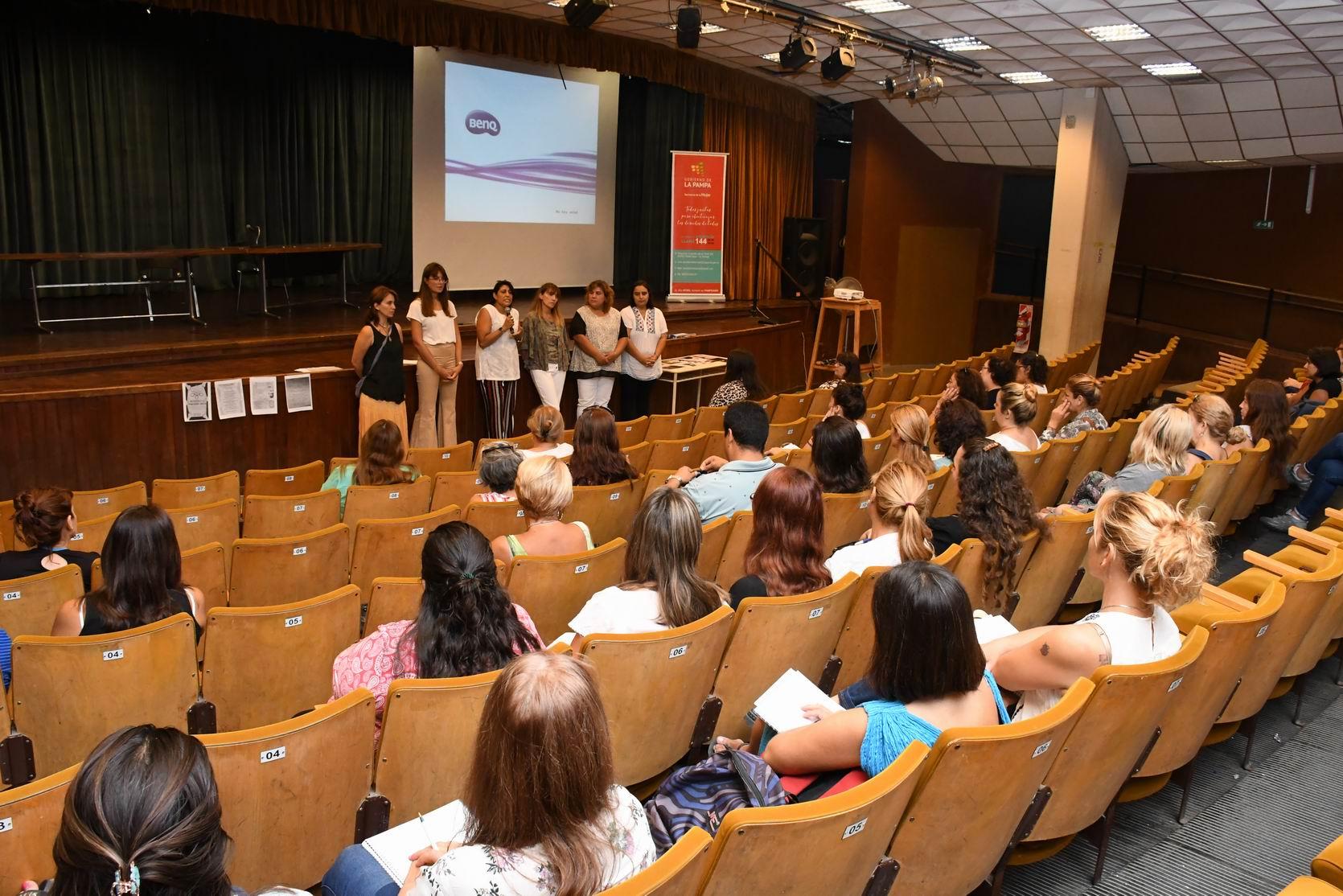 Se realizó una importante capacitación en género para acompañantes terapéuticos en La Pampa