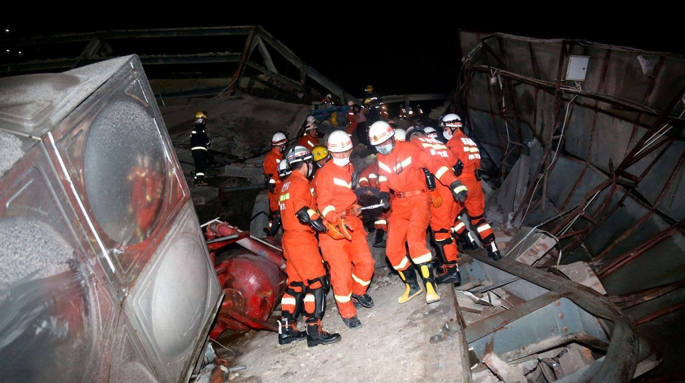 Se derrumbó un hotel en China donde decenas de personas cumplían cuarentena por coronavirus