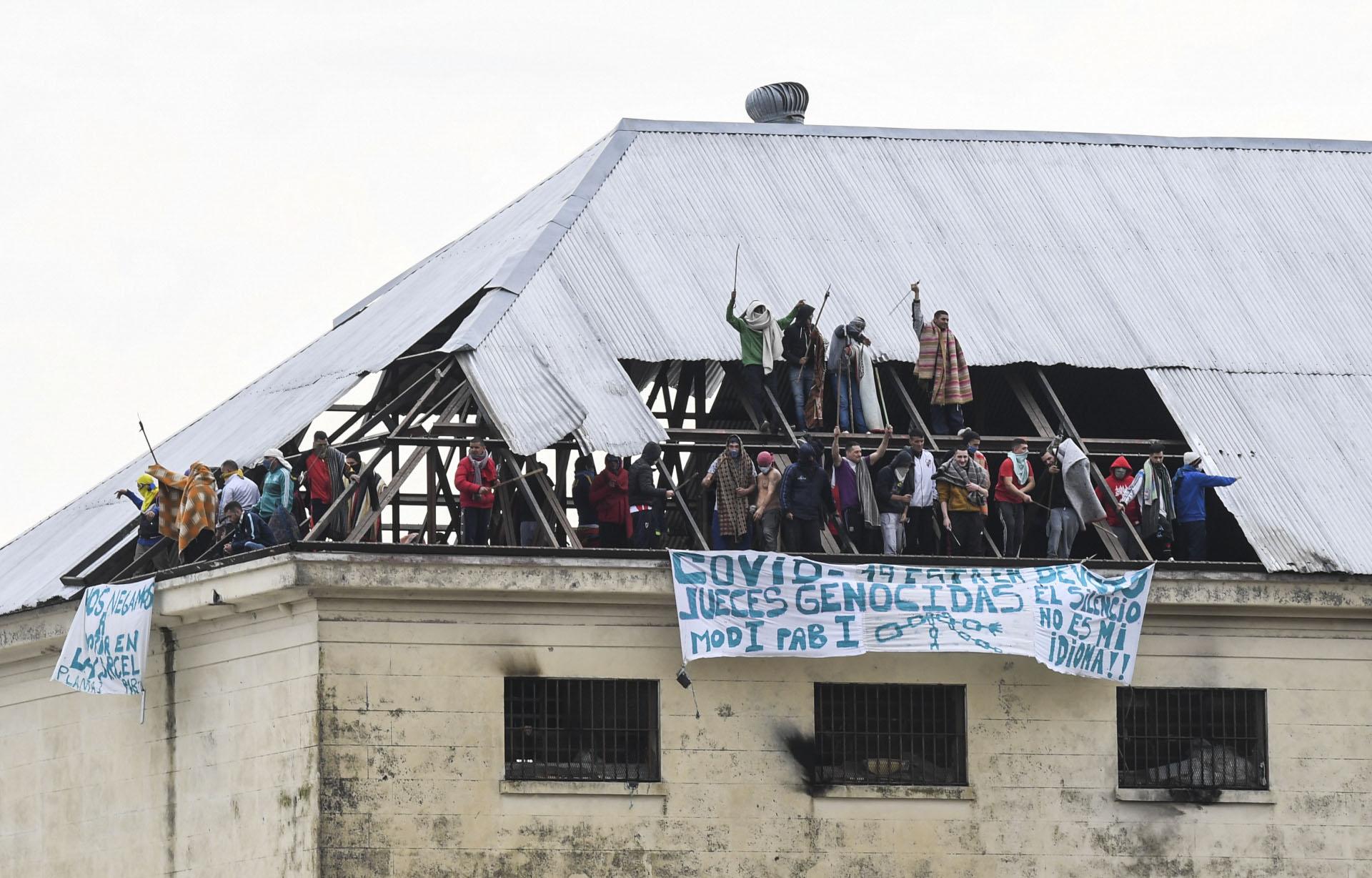 Violento motín en la cárcel de Devoto, donde ya se registró un caso de COVID-19 en un agente