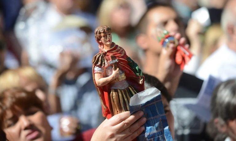 San Expedito, se celebra en un 19 de abril diferente: la oración para el santo de las causas justas y urgentes