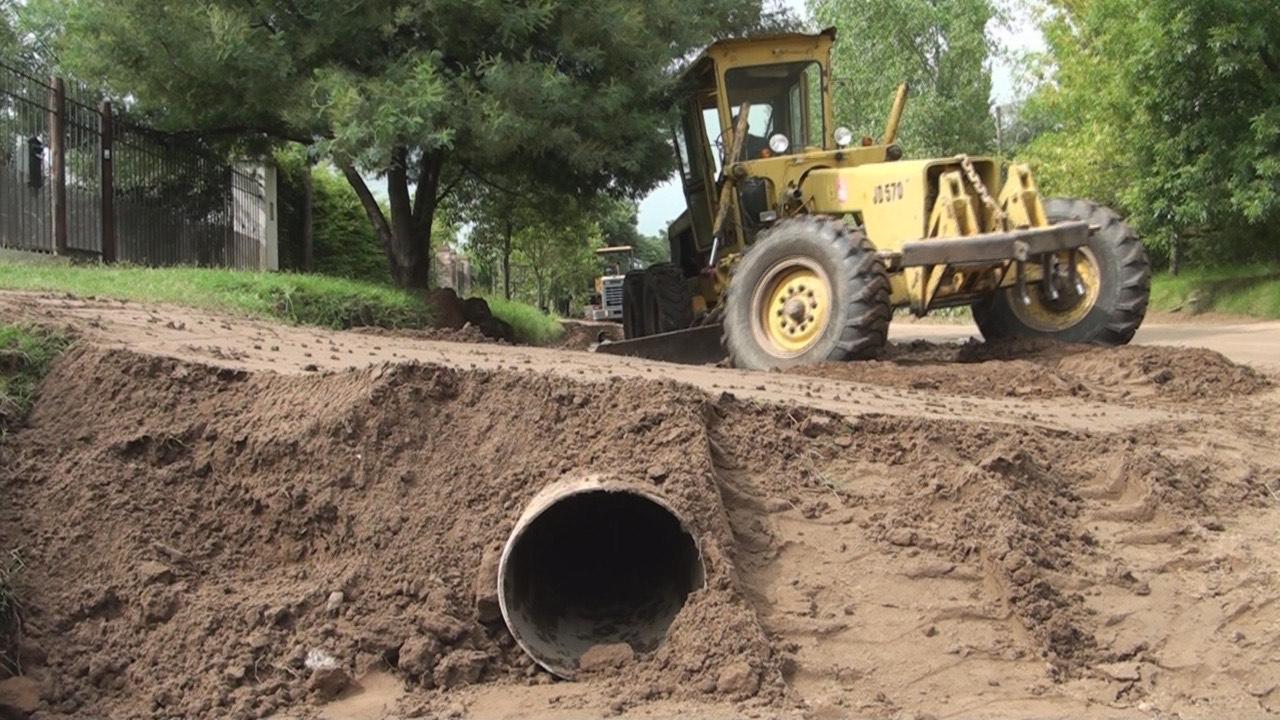 Aseguran que el acceso al Barrio Sur estará asfaltado en dos meses