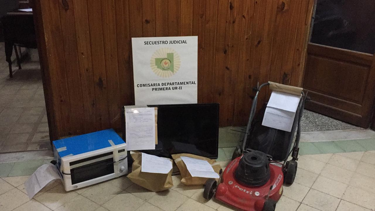 Durante un allanamiento en barrio Federal, personal de Comisaría Primera recuperó todas las pertenencias que le habían robado a un trabajador del Hospital Gobernador Centeno