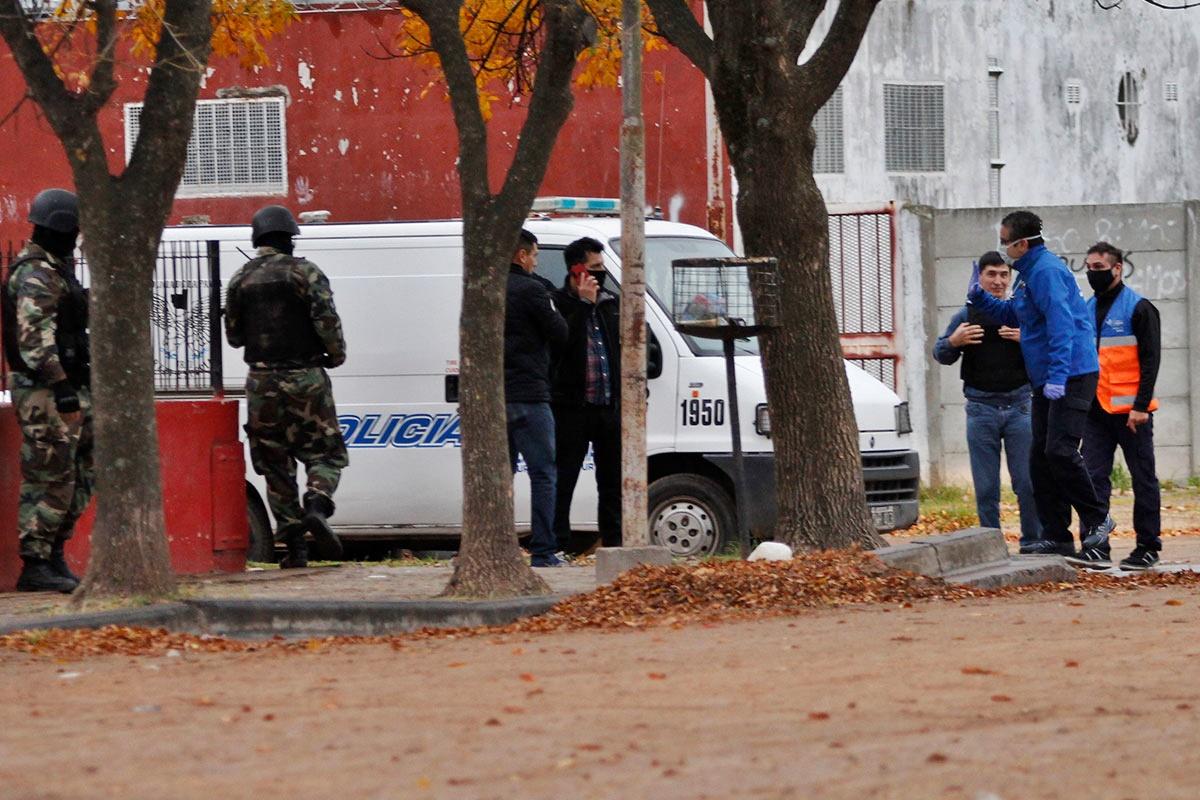 Apuñalado en barrio Ranqueles: Arresto domiciliario por 30 días para uno de los cuatro detenidos y mañana formalizarán al agresor