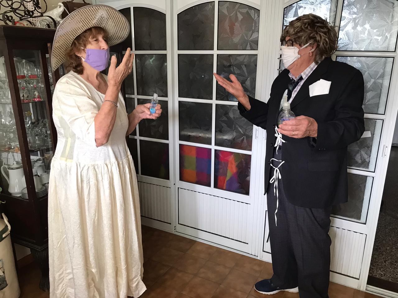 Con mucha alegría conocida pareja de General Pico organizó un festejo muy original por su 56º aniversario de casados