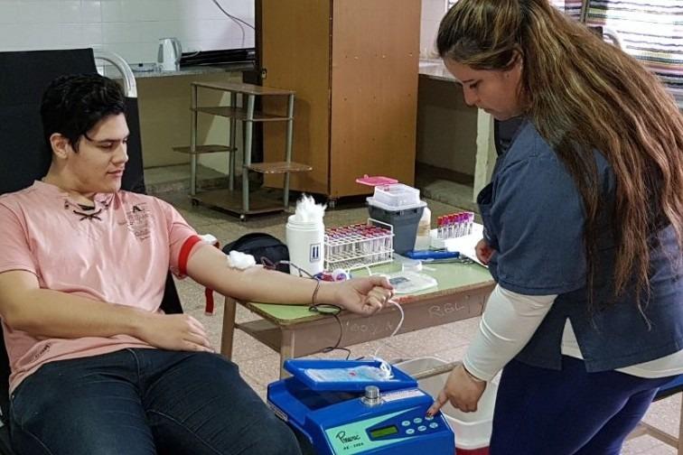 El Colegio Juana Azurduy junto al Hospital conformarán un padrón de donantes voluntarios de sangre y médula ósea