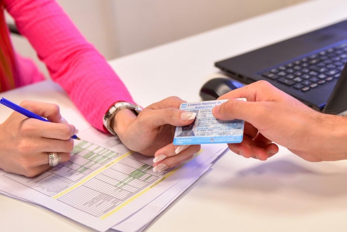 Licencias de conducir: Nación autoriza que vuelvan a trabajar los centros de emisión y se espera una definición en La Pampa