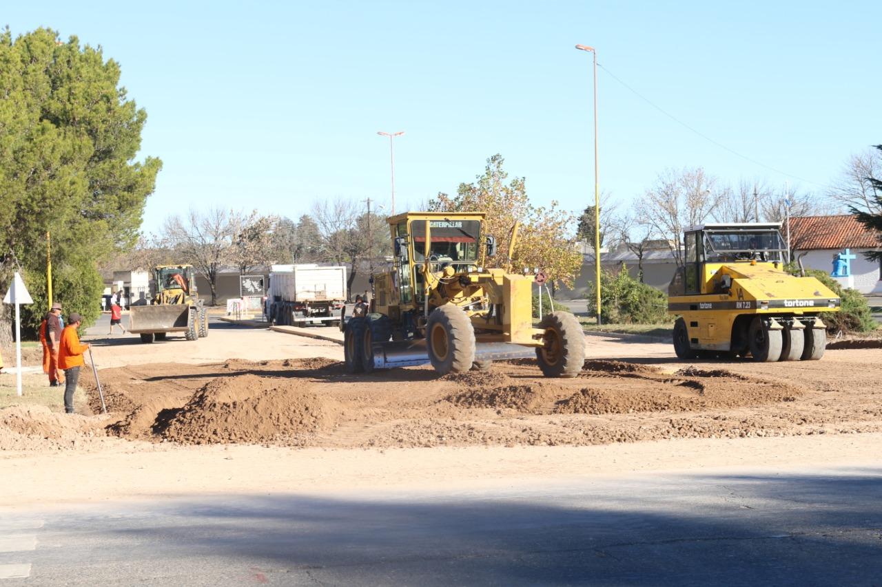 Continúan los trabajos de ampliación en Avenida San Martín y Circunvalación