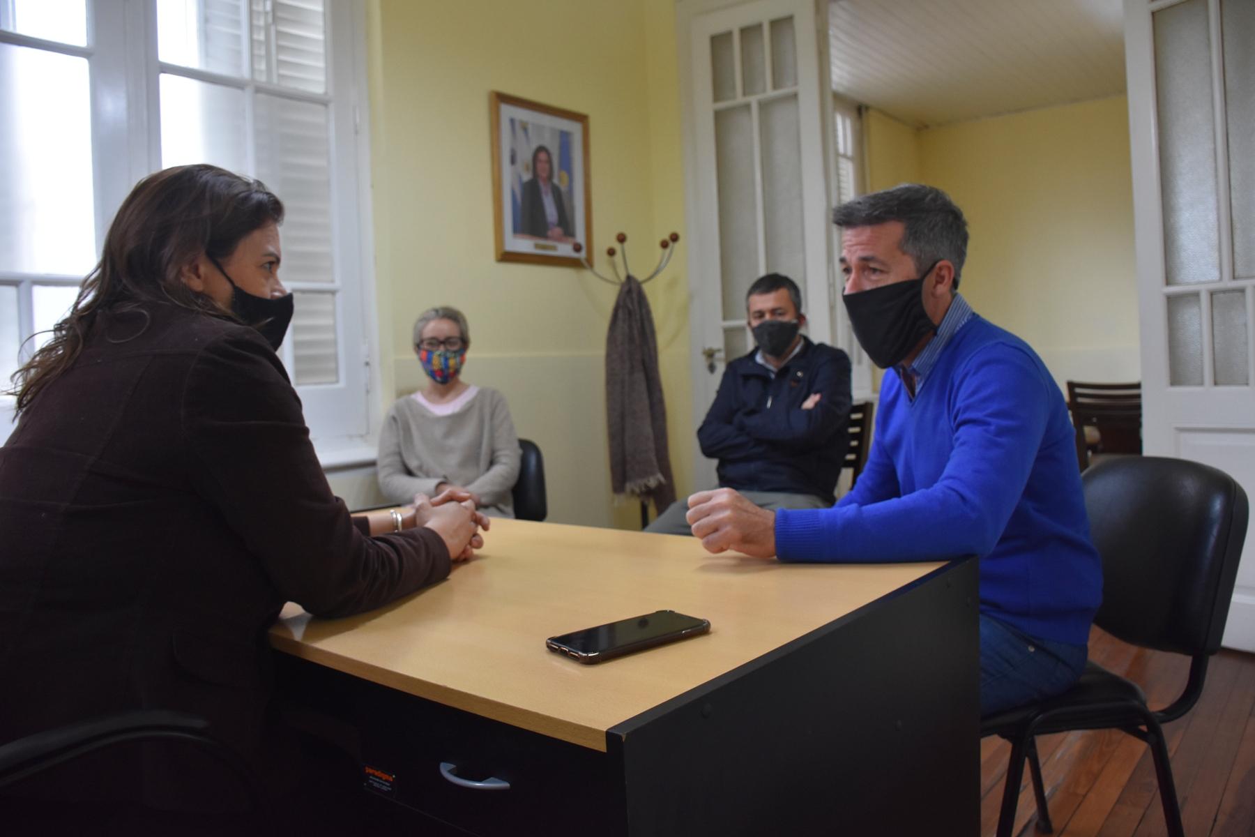 La intendenta Alonso recibió en su despacho al diputado Ardohain