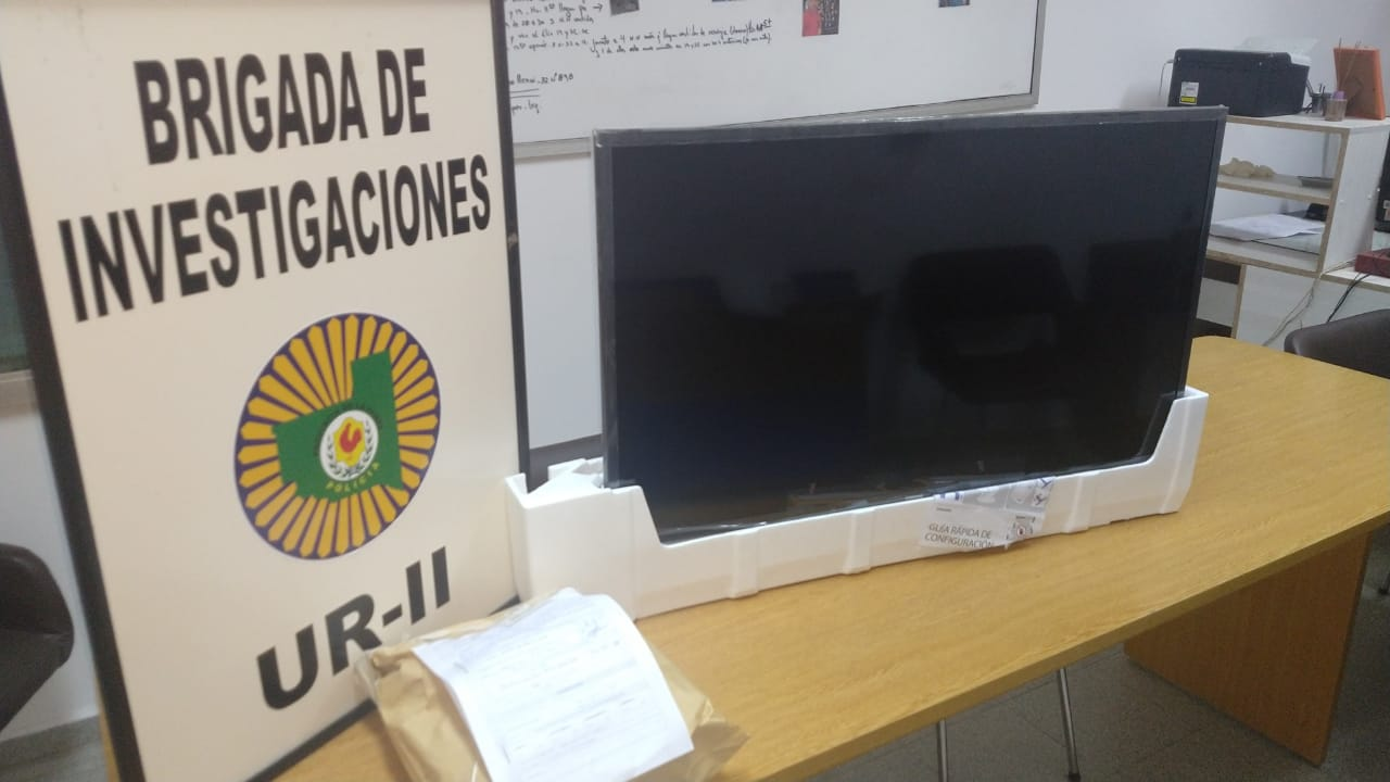 """La Brigada de Investigaciones recuperó un televisor que había sido robado a un repartidor: Descubrieron al delincuente mientras intentaba """"revenderlo"""""""