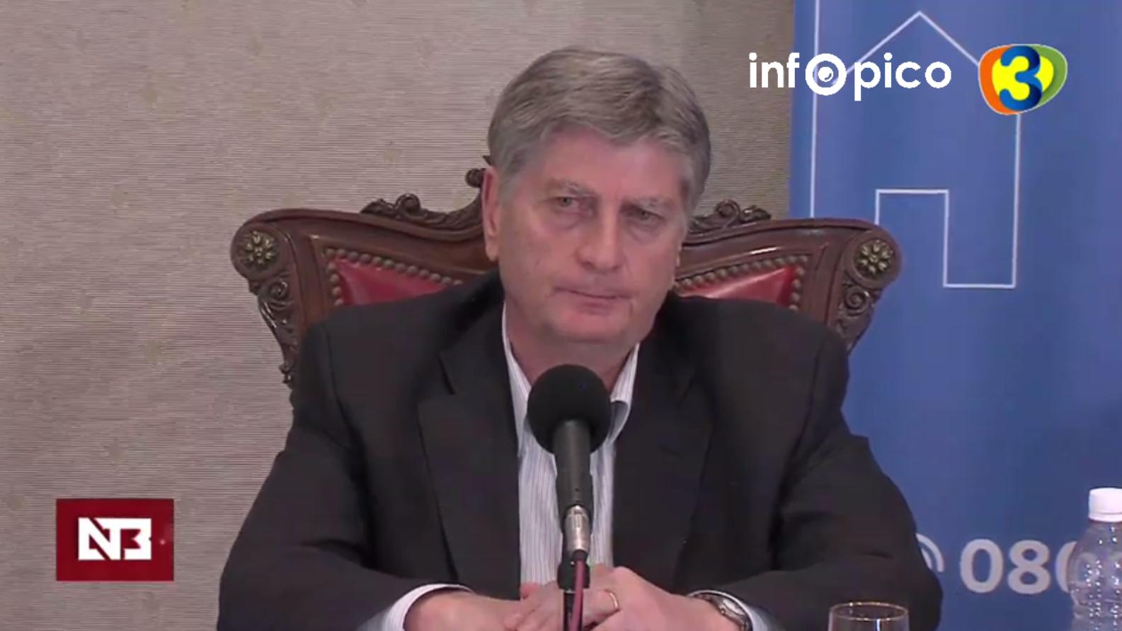 «Los comercios podrán abrir de 8 a 13 los días sábados», confirmó el gobernador de La Pampa