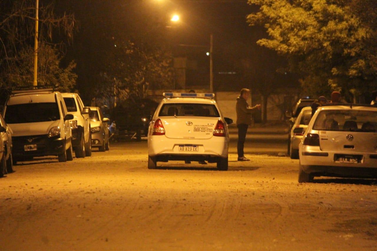 Balacera en Barrio Ranqueles: cinco allanamientos, cuatro demorados y secuestro de arma de fuego