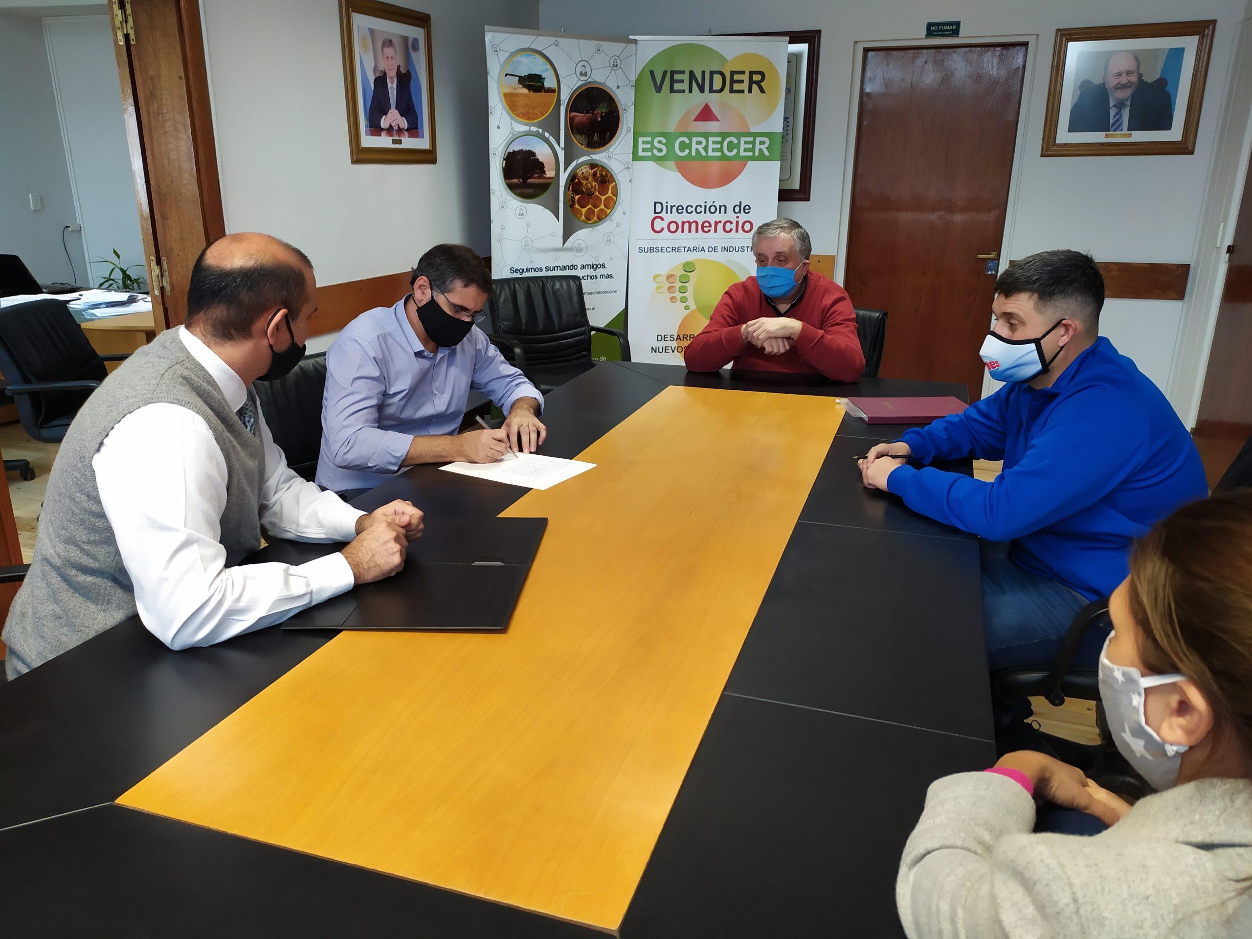 Empresa pampeana fabricará envases pet en el Parque Industrial de Santa Rosa