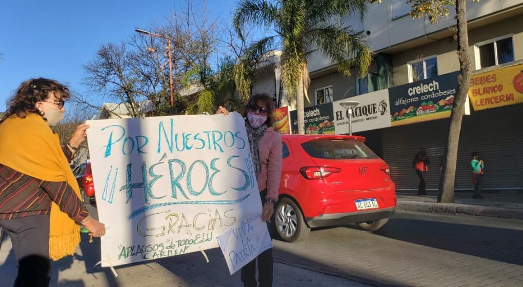 Multitudinaria marcha de médicos en Córdoba contra las amenazas e imputaciones