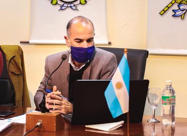 """Financiación de las 300 cuadras de asfalto: """"La decisión se funda en la realidad económica actual de los vecinos"""", dijo el viceintendente, Daniel López"""