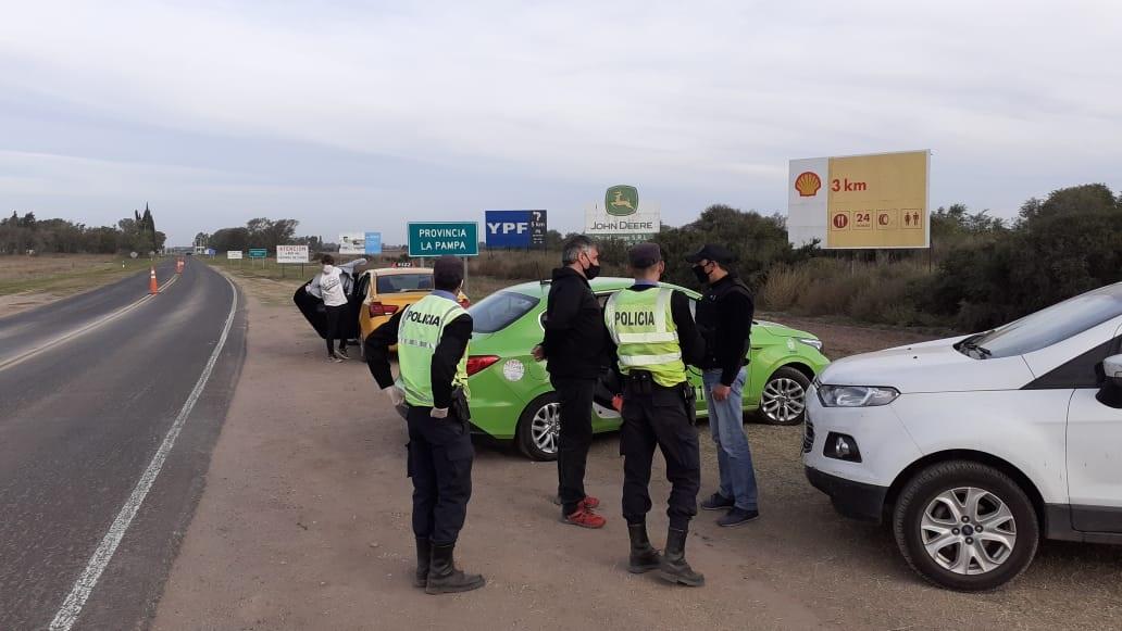 Los jóvenes provenientes de Córdoba que querían ingresar a La Pampa eran ocho y todos tenían documentación falsa
